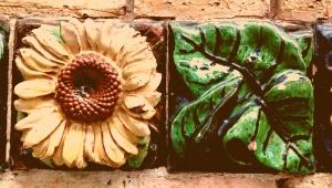 Gaudi's sunflower, El Capricho, Commilas