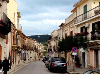 Chiaramonte Gulfi's main shopping street, Corso Umberto - every town has one